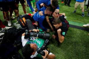 """Μουντιάλ 2018: Οι Κροάτες τον """"ποδοπατούσαν"""" και εκείνος τραβούσε φωτογραφίες! Εντυπωσιακές λήψεις"""