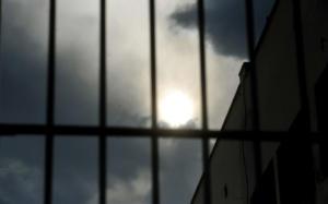 Αιματηρή συμπλοκή στις φυλακές Λάρισας – Ένας τραυματίας