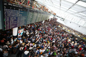 Συναγερμός στο αεροδρόμιο του Μονάχου – Καθηλωμένα τα αεροπλάνα – Χιλιάδες επιβάτες σε αναμονή