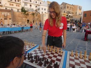 Χανιά: Η Σταυρούλα Τσολακίδου έδειξε στην πράξη γιατί είναι η παγκόσμια πρωταθλήτρια στο σκάκι [pics]