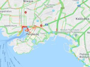 Κίνηση και ταλαιπωρία στους δρόμους του Πειραιά