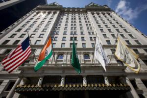 Τέλος εποχής για το Plaza – Πωλείται σε τιμή ρεκόρ το θρυλικό ξενοδοχείο του Μανχάταν