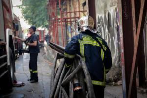 Πυρκαγιά στο κέντρο της Αθήνας – Κινδύνεψαν δυο άνδρες