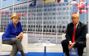 Σύνοδος ΝΑΤΟ: Η αναφορά του Τραμπ στην Ελλάδα και η μπηχτή στη Μέρκελ