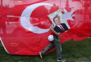 ΕΕ για Τουρκία: Σωστό βήμα η άρση της κατάστασης έκτακτης ανάγκης αλλά δεν αρκεί