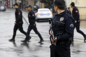 Τουρκία: Νέες συλλήψεις – Χειροπέδες και σε στρατιώτες
