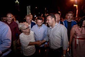 """Φιέστες του Ζάεφ με χορούς, τραγούδια και πανό υπέρ του ΝΑΤΟ – """"Άκυρο"""" έριξαν Σκοπιανοί καλλιτέχνες – video"""