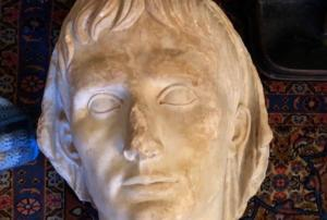 """""""Θησαυρός"""" αμύθητης αξίας! Αποκαλύφθηκε «ευρωπαϊκό» κύκλωμα αρχαιοκάπηλων με 25.000 ελληνικά και ρωμαϊκά αντικείμενα"""