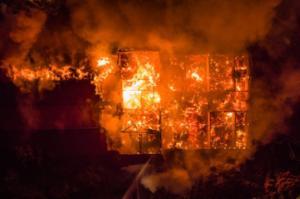 Χανιά: Συγκλονιστικές εικόνες από drone για τη φωτιά που κατέστρεψε το Πολεμικό Μουσείο – Ξέσπασε η Ντόρα Μπακογιάννη!