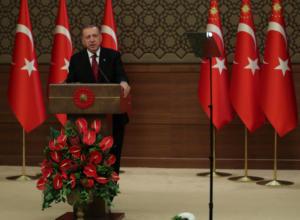 Τουρκία: Κατρακυλά η λίρα εξαιτίας του γαμπρού του Ερντογάν