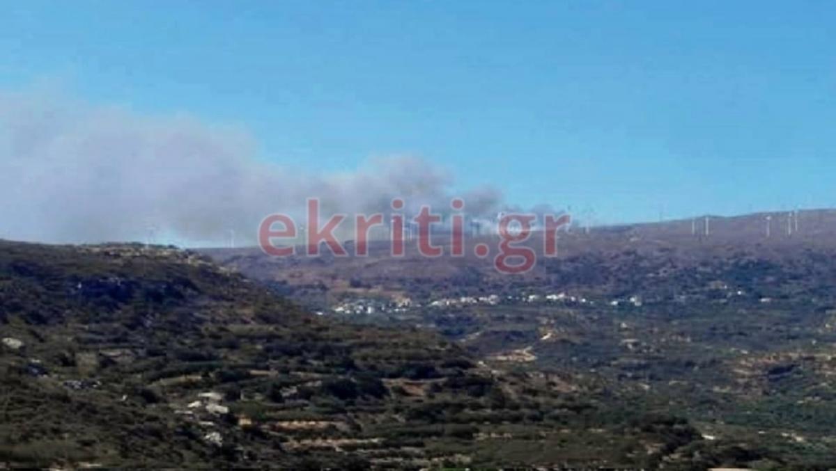 Σητεία: Συναγερμός για φωτιά κοντά σε χωριό – Επί τόπου πυροσβέστες για την κατάσβεση!   Newsit.gr