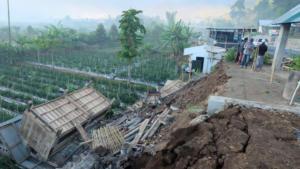 14 νεκροί από τον ισχυρό σεισμό στην Ινδονησία! Συγκλονιστικές εικόνες