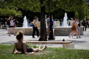 Καιρός: Έρχεται καύσωνας και 40αρια! Πώς θα προφυλαχθείτε από θερμοπληξία