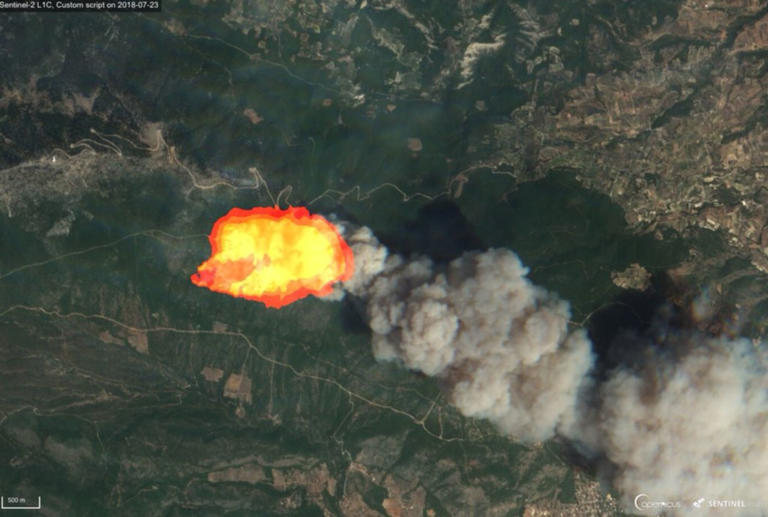 Η φωτιά στην Κινέτα από το διάστημα – Σοκαριστικές εικόνες