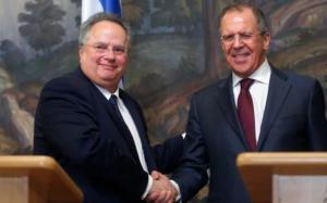 Στον «αέρα» η συνάντηση Κοτζιά – Λαβρόφ μετά τις απελάσεις των Ρώσων διπλωματών