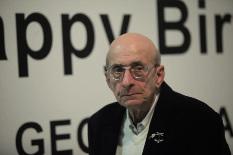 Πέθανε ο Μάνος Ελευθερίου | Newsit.gr
