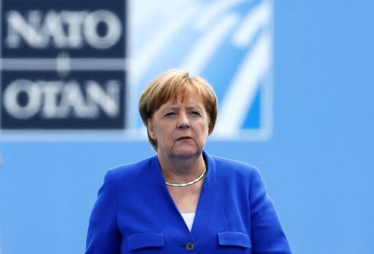 Δεν «μάσησε» η Μέρκελ στις απειλές Τραμπ στο ΝΑΤΟ – «Η Γερμανία είναι ανεξάρτητη στις αποφάσεις της»