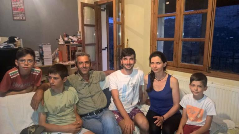 Πανελλήνιες 2018: Ο Ευαγγελινός με τα «αστρονομικά» μόρια, τα 7 αδέλφια και τις στερήσεις [pics] | Newsit.gr