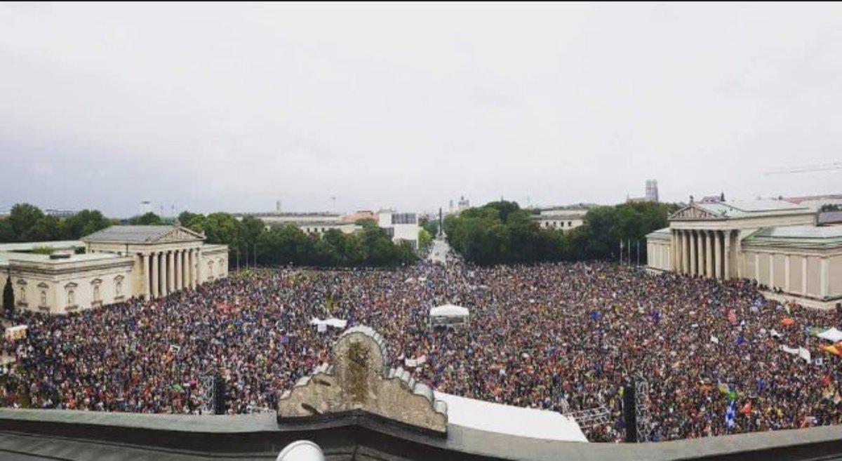 «Πλημμύρισε» αντιφασίστες το Μόναχο – Τεράστιο αντιρατσιστικό συλλαλητήριο – video   Newsit.gr