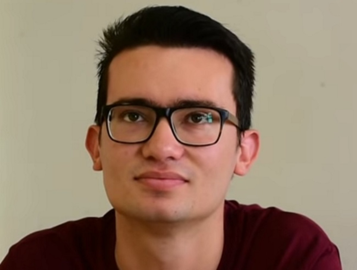 Πανελλήνιες 2018: Έσπασε τα κοντέρ στις εξετάσεις – Ο Αναστάσης Μαρτίνος και οι ατάκες του που γράφουν [vid]   Newsit.gr
