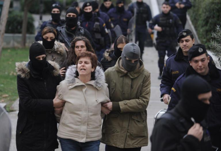 Ποινή ισόβιας κάθειρξης και 25 ετών στην Πόλα Ρούπα   Newsit.gr
