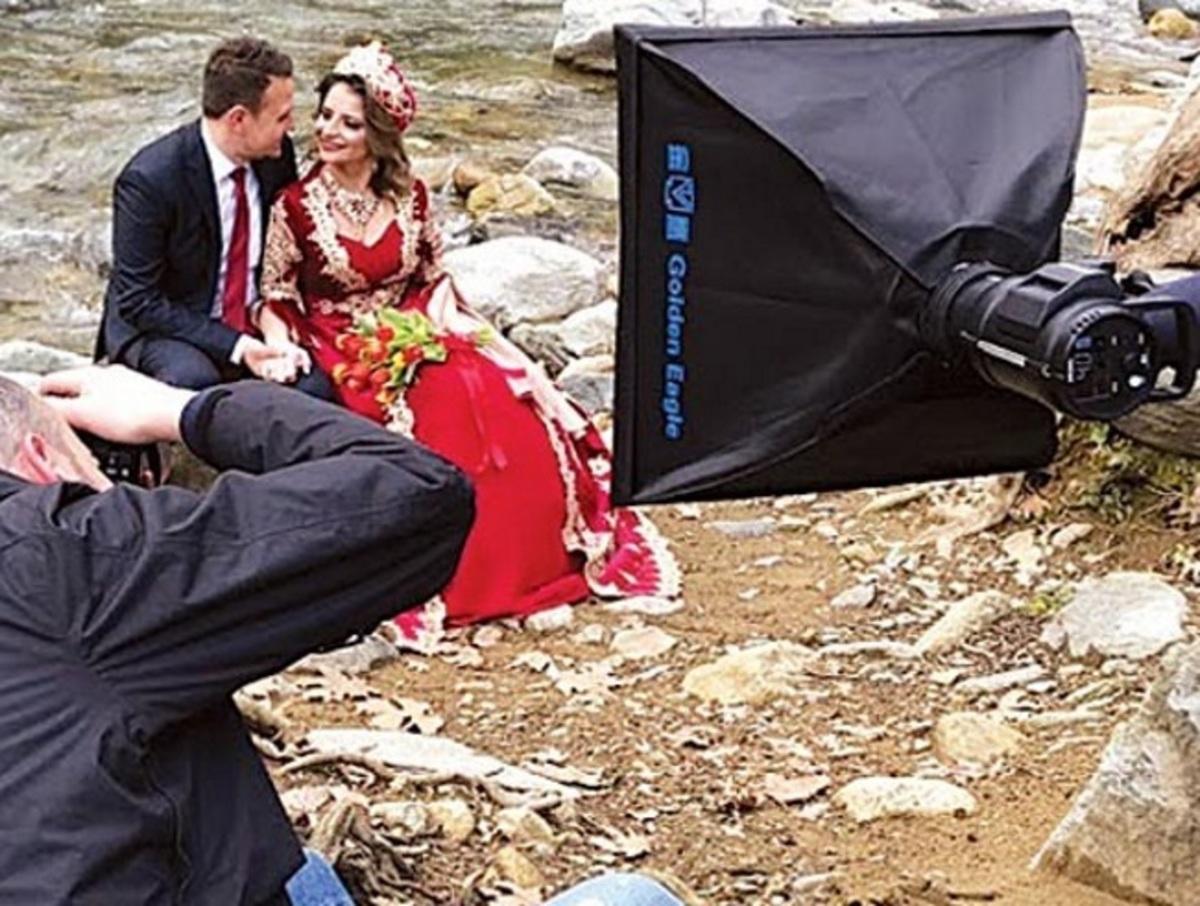 Κομοτηνή: Κούκλες και χαμογελαστές – Οι νύφες επισκίασαν τους γαμπρούς με τις πόζες τους [pics] | Newsit.gr