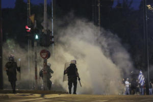 Συλλαλητήριο για τη Μακεδονία στο Σύνταγμα: Από τα επεισόδια στον… εισαγγελέα
