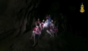 Ταϊλάνδη: Βρήκαν τα 12 παιδιά αλλά δεν μπορούν να τα… σώσουν [pics, vids]
