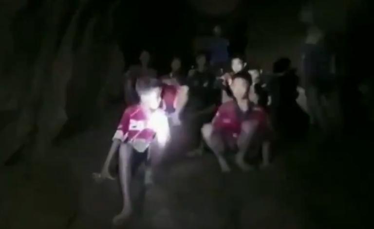 Ταϊλάνδη: Συγκλονιστικές οι πρώτες εικόνες από τα 12 παιδιά που αγνοούνταν για 9 μέρες! [vid, pics] | Newsit.gr