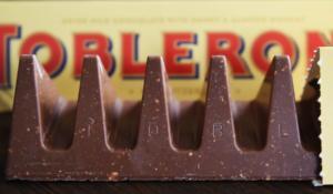H σοκολάτα Toblerone… αλλάζει και γίνεται όπως την γνωρίσαμε και την αγαπήσαμε
