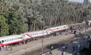 Εκτροχιασμός τρένου κοντά στο Κάιρο – Τουλάχιστον 55 τραυματίες