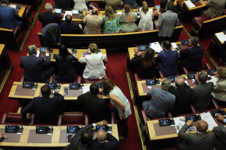 """Με οριακή πλειοψηφία ψηφίσθηκε ο """"Κλεισθένης"""" – Υπερψηφίστηκε η κατάτμηση   Newsit.gr"""