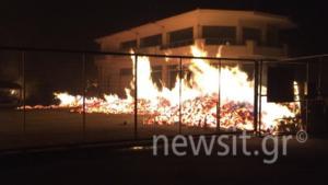 Φωτιές… παντού! Εγκλωβισμένοι κάτοικοι στο Μάτι – Καίγεται σχολείο στο Νέο Βουτζά – video