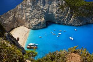 Ζάκυνθος: «Μεμονωμένα περιστατικά ρύπανσης «αφαίρεσαν» τις γαλάζιες σημαίες στις παραλίες»