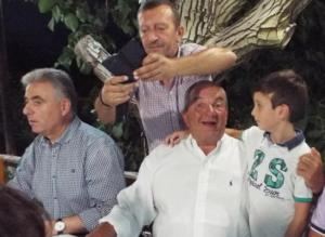 Λευκάδα: Έτσι γεμίζουν τις μπαταρίες τους Κώστας Καραμανλής και Νατάσα Παζαΐτη – Selfies, γέλια και χαλάρωση [pics]