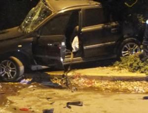 Εύβοια: Σκληρές εικόνες σε τροχαίο με δύο νεκρούς – Αίμα και δάκρυα στην άσφαλτο [pics, video]