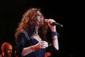Μυτιλήνη: Έφοδος του ΣΔΟΕ στη συναυλία της Ελευθερίας Αρβανιτάκη – Το καμουφλάζ και οι διαπιστώσεις – video