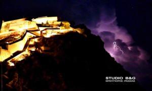 Κεραυνοί έκαναν τη νύχτα… μέρα στο Ναύπλιο [pics]