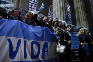 Αργεντινή: Η Γερουσία καταψήφισε την αποποινικοποίηση της άμβλωσης
