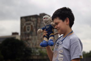 Αυτός ο 12χρονος είναι ήδη φοιτητής! Η ιδιοφυΐα με το λούτρινο κουκλάκι