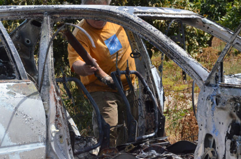 Θεσσαλονίκη: Σοκ – Απανθρακωμένο πτώμα μέσα σε αυτοκίνητο – Εντοπίστηκε σε πάρκινγκ πολυκατοικίας στη Θέρμη | Newsit.gr