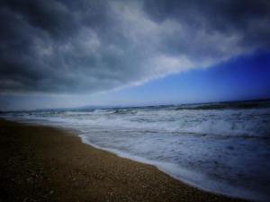 Καιρός: Έρχεται βροχή, έρχεται μπόρα! Καταιγίδες και… χαλάζι τη Δευτέρα – Πού θα χτυπήσει η κακοκαιρία