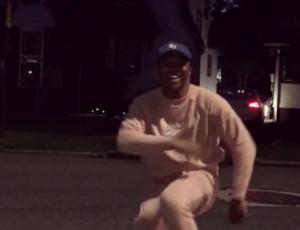 Kiki challenge: Η αστυνομία προειδοποιεί για τον επικίνδυνο viral χορό