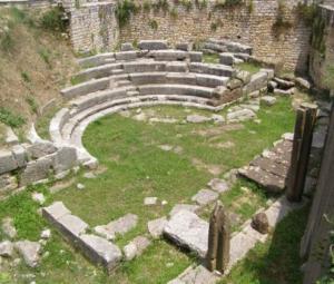 Αποκαλύφθηκε εντυπωσιακό ψηφιδωτό του 4ου π.Χ. αιώνα στο Μικρό Θέατρο της Αμβρακίας