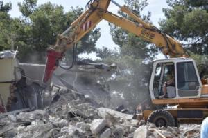 Κατεδαφίσεις εξπρές! Κυβερνητικές πηγές: «Δεν θα επιτρέψουμε την επιστροφή στο παλαιό καθεστώς αυθαιρεσίας»