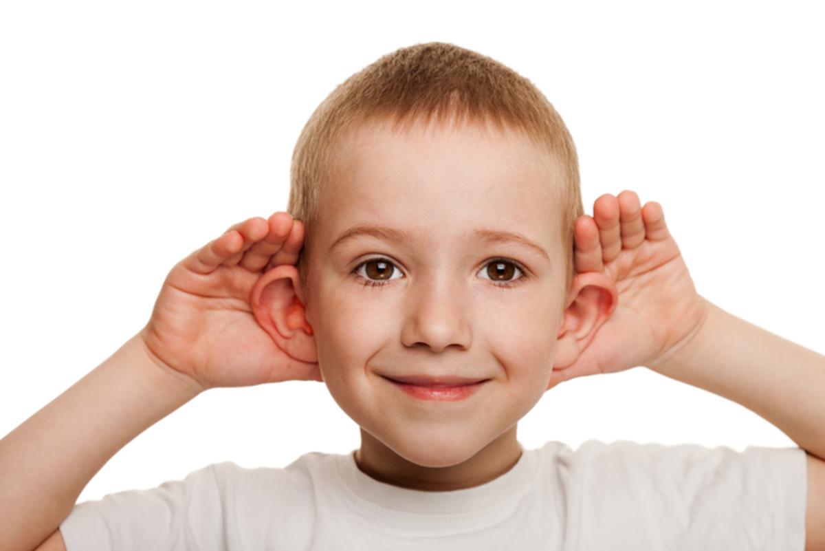 Παιδί: Τα ύποπτα συμπτώματα όταν έχει πρόβλημα με την ακοή του   Newsit.gr