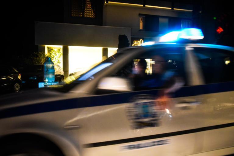 Τρίκαλα: Άγριος καβγάς με μπουνιές και κλωτσιές! | Newsit.gr