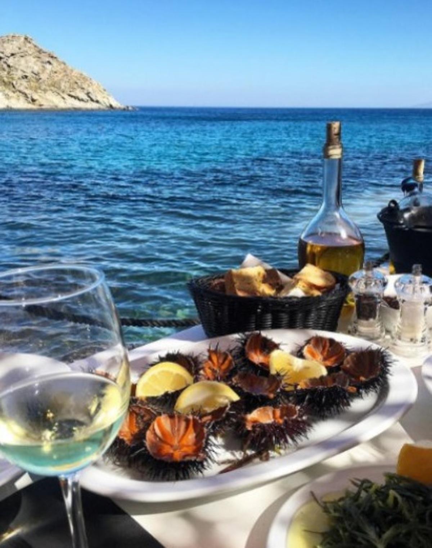 """Νέο σλόγκαν για τους τουρίστες: """"#Apodixi_Please""""!   Newsit.gr"""