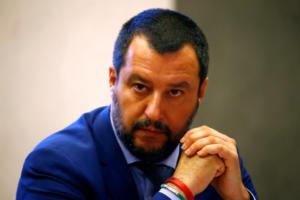 Ιταλία: Έρευνα σε βάρος του Σαλβίνι για το πλοίο με τους μετανάστες – «Ας έρθουν, τους περιμένω»