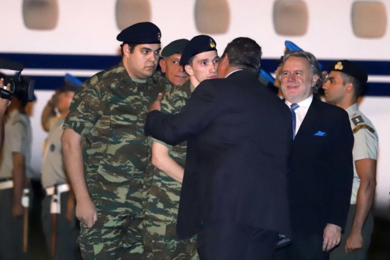 """Έλληνες στρατιωτικοί: Ελεύθεροι μετά από 167 ημέρες! Από την """"διπλωματία των ομήρων"""" στο """"άνοιγμα στην Ευρώπη"""" ο Ερντογάν"""